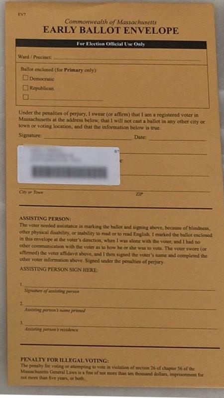 """在顶部的""""只负责选举的官员使用""""一节中,签名行,选民的邮件标签""""马萨诸塞州初选时,信封的联合体"""""""