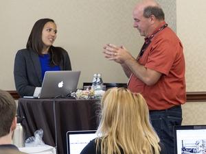 Aurora Harley在用户体验会议上回答了一个问题万博官网manbetx下载