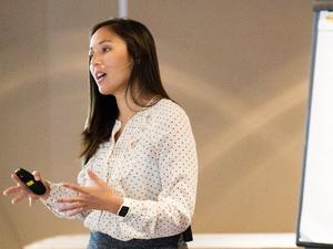 奥罗拉·哈雷在UX会议上的发言万博官网manbetx下载